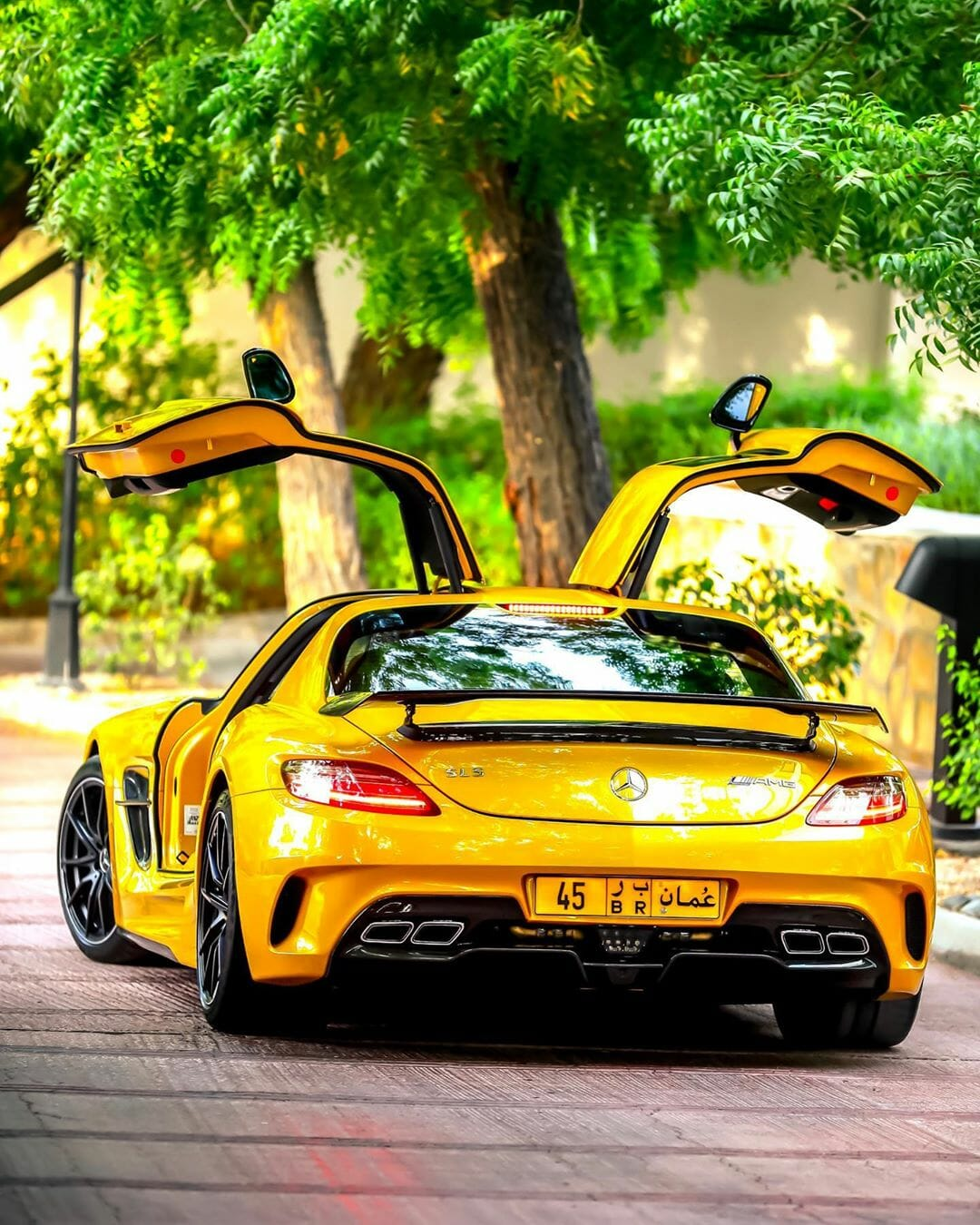 Mercedes-Benz SLS AMG Black Series by @k_cars Picture 3