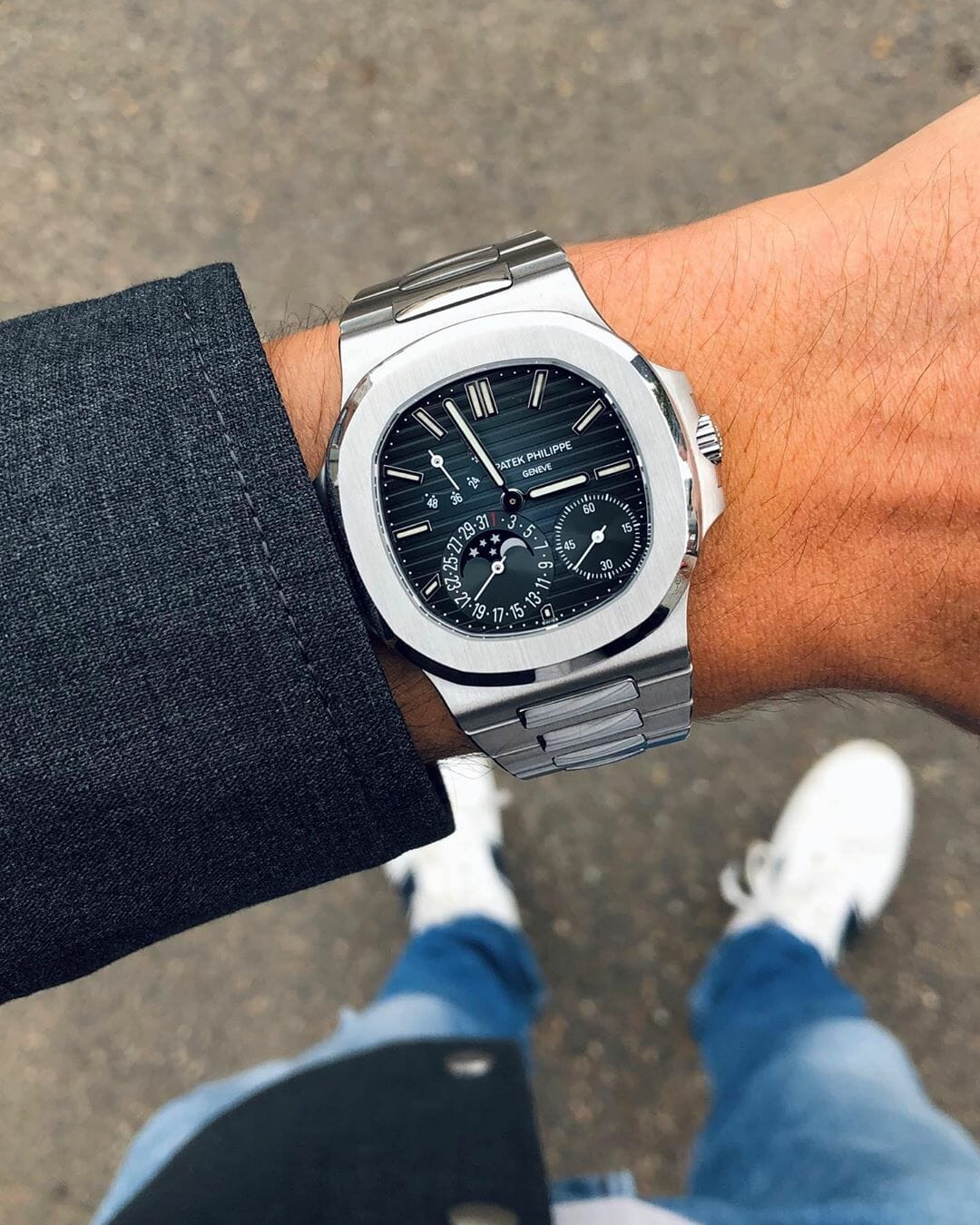 Patek Philippe Nautilus 5712 by @watchrookiee Picture 1